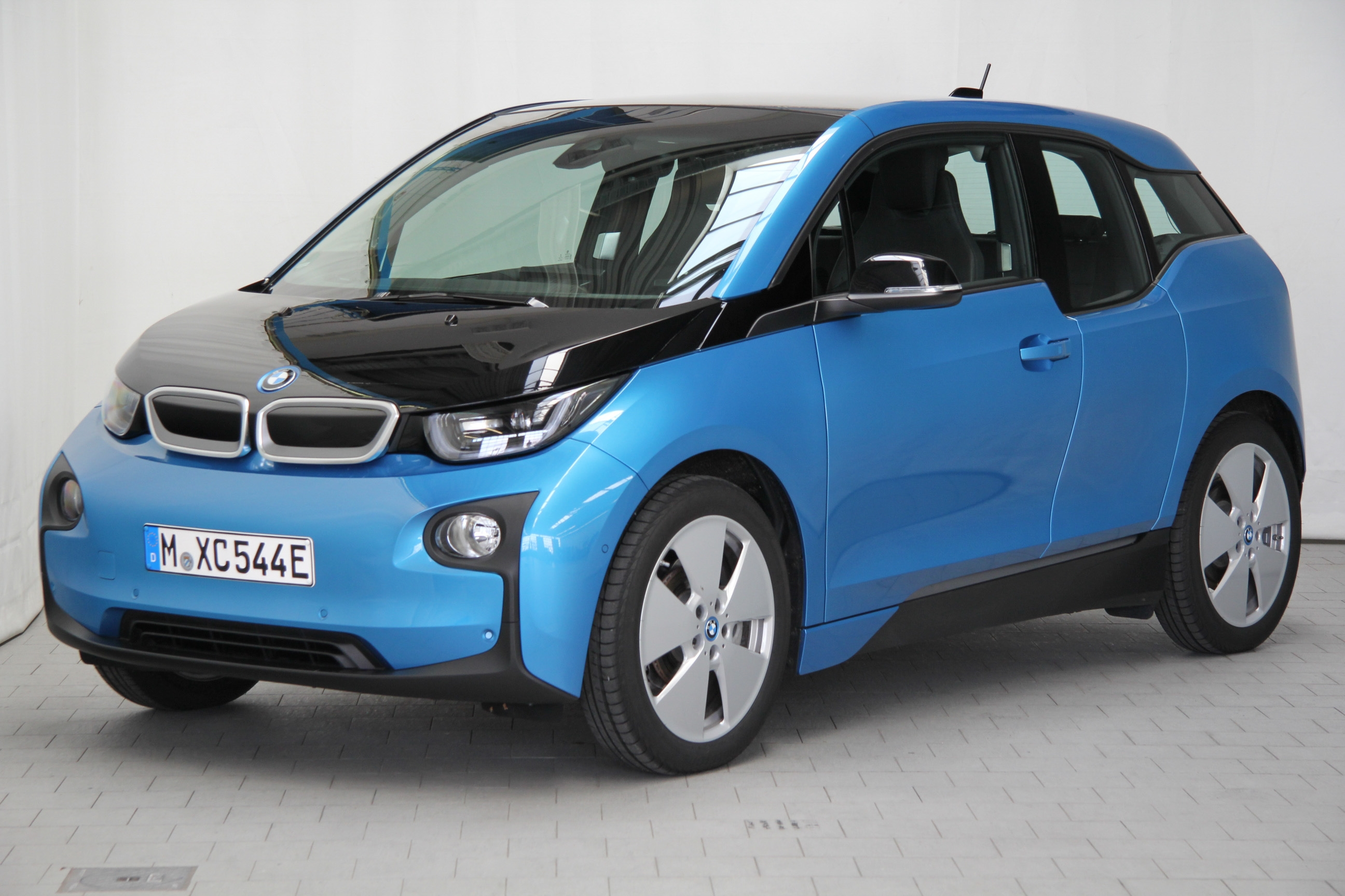 bmw i3 test prijzen en specificaties. Black Bedroom Furniture Sets. Home Design Ideas