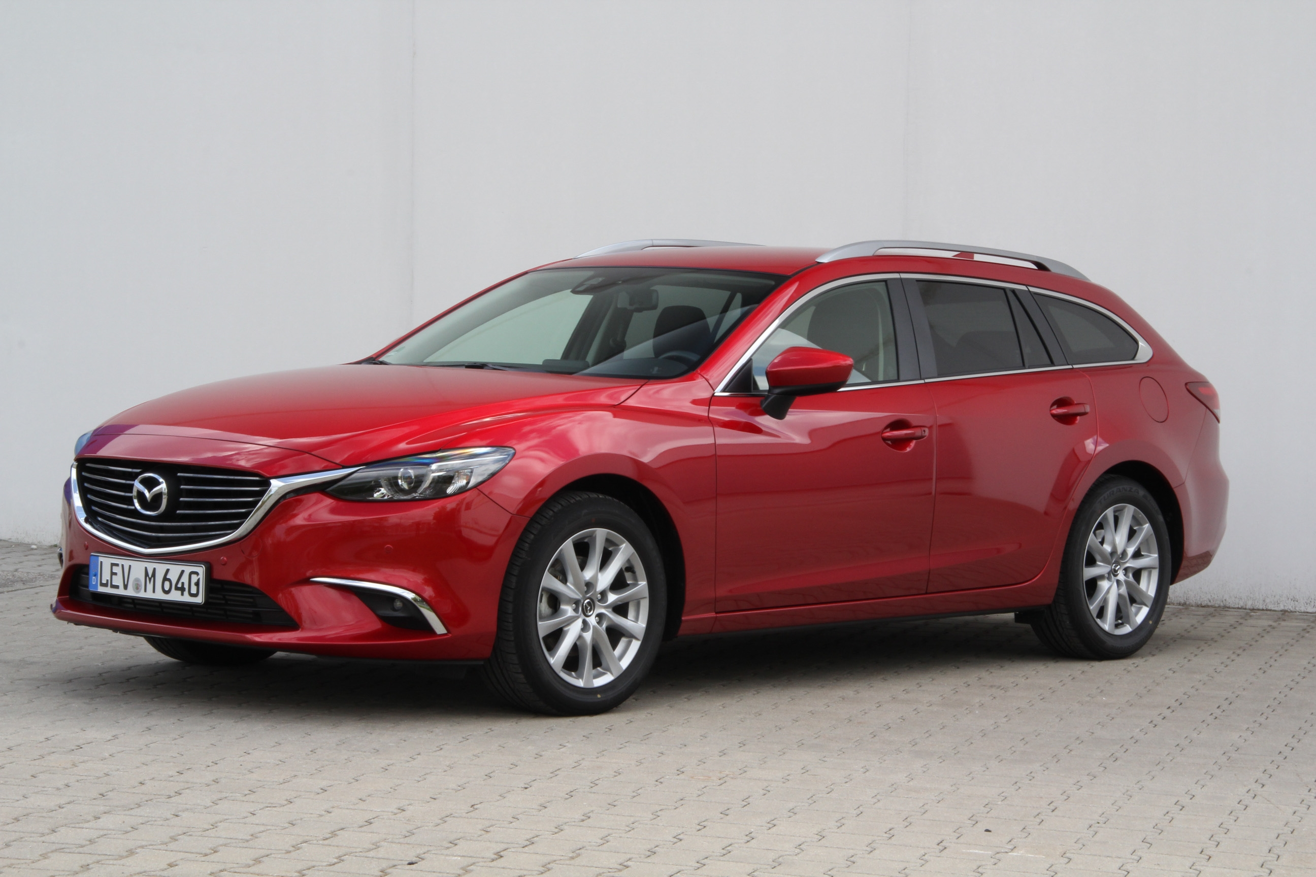 mazda 6 kombi skyactiv d 150 i eloop test prijzen en specificaties. Black Bedroom Furniture Sets. Home Design Ideas