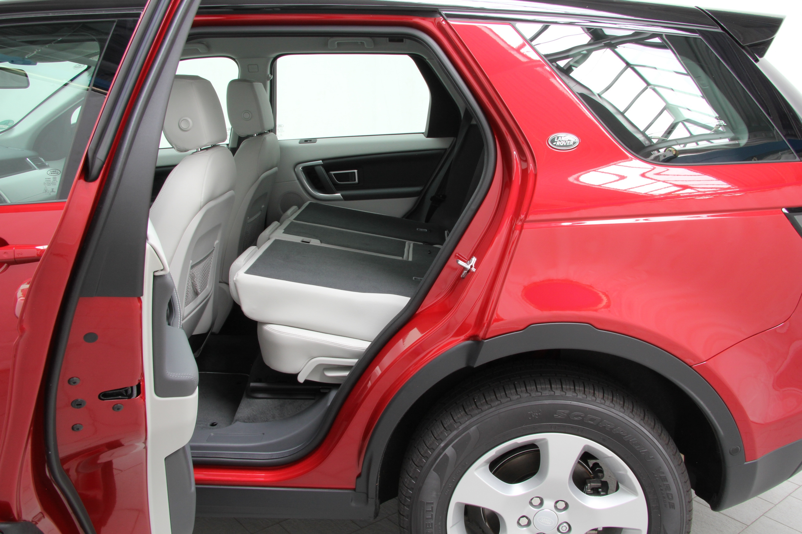 land rover discovery sport td4 e capability test complet prix sp cifications. Black Bedroom Furniture Sets. Home Design Ideas