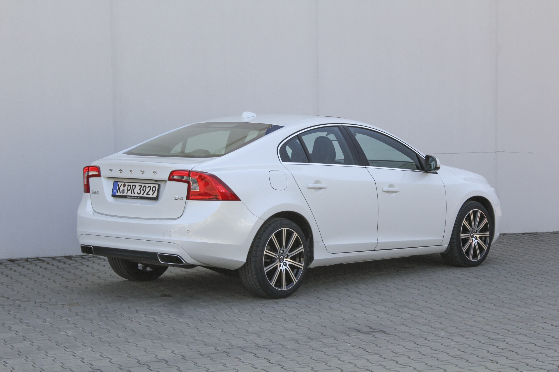 volvo s60 test complet prix sp cifications. Black Bedroom Furniture Sets. Home Design Ideas