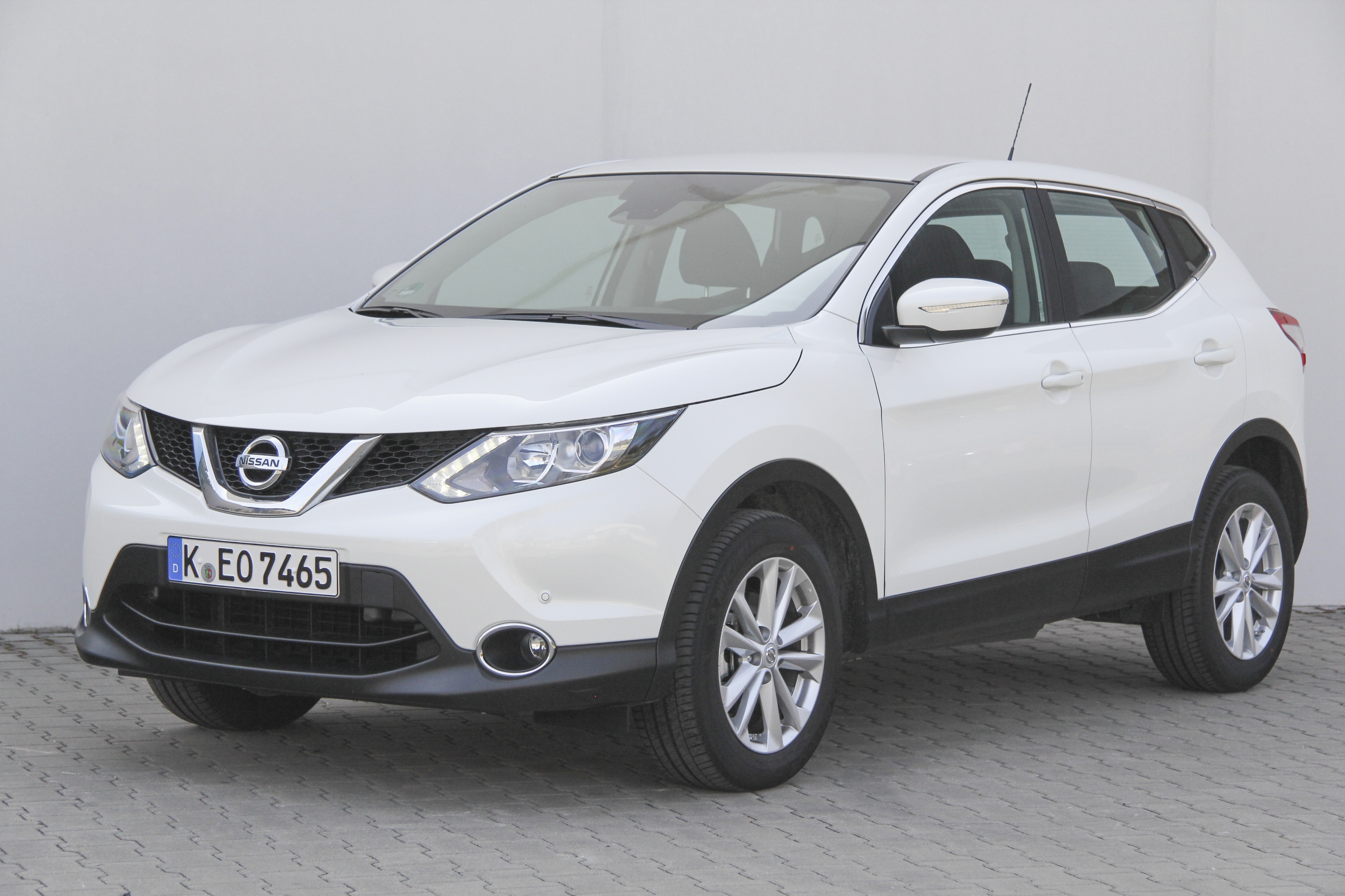 nissan qashqai test complet prix sp cifications. Black Bedroom Furniture Sets. Home Design Ideas